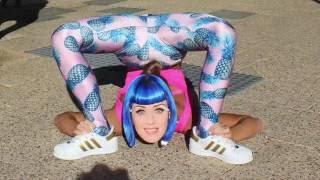getlinkyoutube.com-ELLEN  in AUSTRALIA!? Katy Perry collab!! Secret talents revealed ;)