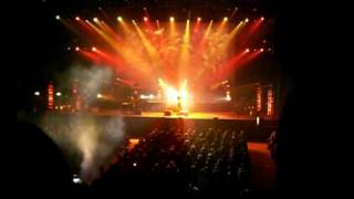 getlinkyoutube.com-The Australian Pink Floyd Show - The Wall - 18 - Comfortably Numb