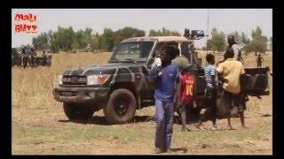 Débarquement de l´armée malienne a Douakiré dans le liesse populaire