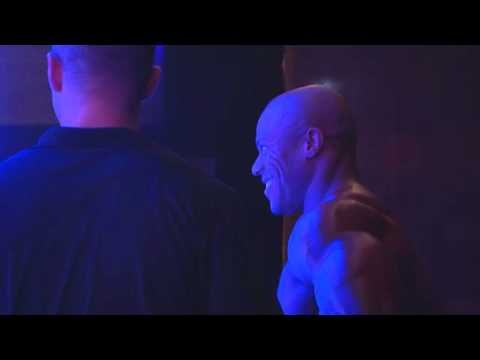 Phil Heath Posing Routine 2012 Sheru Classic: Backstage View