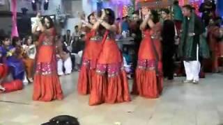 getlinkyoutube.com-nice Mehndi dance part1