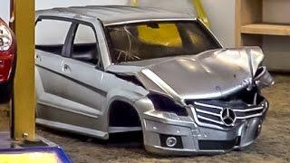 getlinkyoutube.com-RC car junkyard with car shredder! Amazing R/C stuff from Friedrichshafen 2014