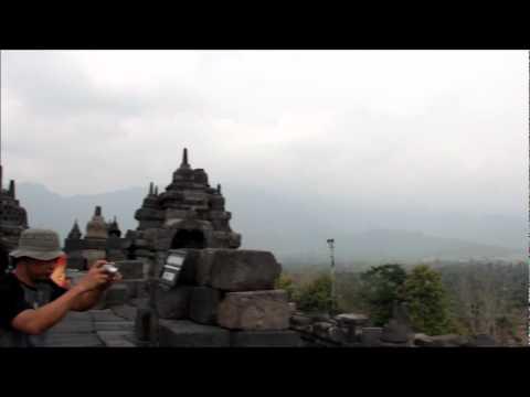 Borobudur dari dekat