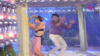 getlinkyoutube.com-Kirai Dada Songs - Kurise Meghalu  - Nagarjuna Akkineni, Amala Akkineni