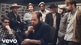 getlinkyoutube.com-Nathaniel Rateliff & The Night Sweats - I Need Never Get Old (Music Video)