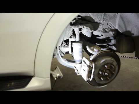 Infiniti QX56 - просевшая задняя часть автомобиля
