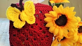 getlinkyoutube.com-Crochet Glama's Granny Square Tissue Box Holder