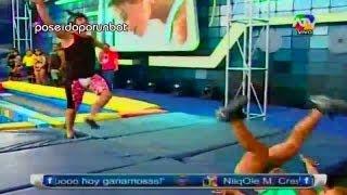 getlinkyoutube.com-COMBATE: Sheyla se cae estando EMBARAZADA. La caida de Sheyla 09/01/13