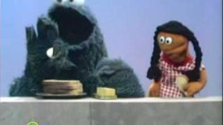 Sesame Street: Cookie Monster Makes A Sandwich
