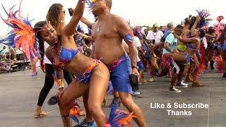 getlinkyoutube.com-Mascots Intl @ Miami Broward Carnival 2015