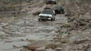 getlinkyoutube.com-Ford F350 in Mud RC off-road
