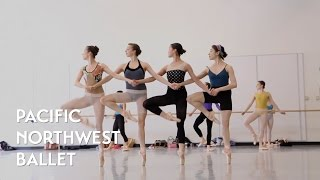パシフィック ノースウェスト バレエ「四羽の白鳥の踊り 」リハーサルの画像
