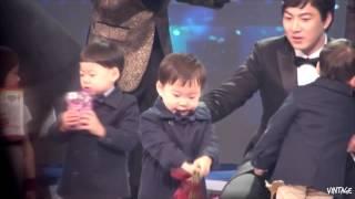 getlinkyoutube.com-[Fancam] 141227 Daehan Min Guk Manse - KBS Entertainment Awards 2014