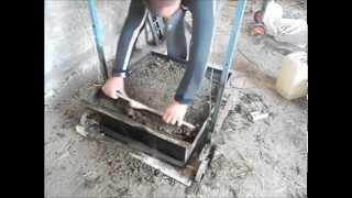 getlinkyoutube.com-Испытания станка для производства пескоблоков.