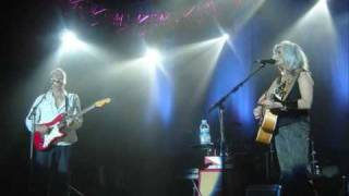 Emmylou Harris & Mark Knopfler Love And Happiness