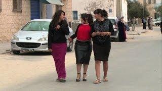 يهود تونس حائرون بين الاندماج في المجتمع والتقوقع في جربا