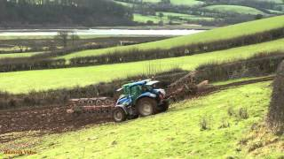 getlinkyoutube.com-Ploughing in Pairs. - John Deere 6930 and New Holland TS135.