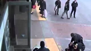 getlinkyoutube.com-Woman Calls 911 To Report Police Brutality So Cops Beat Her Too