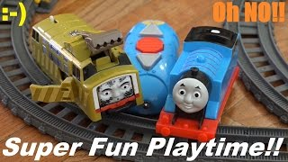 getlinkyoutube.com-Thomas & Friends Trackmaster: RC Thomas and Crash & Repair Diesel 10 Playtime