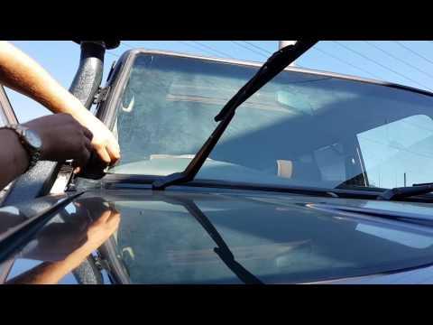Как поменять лобовое стекло за 5мин, Land Cruiser Prado (резинка)