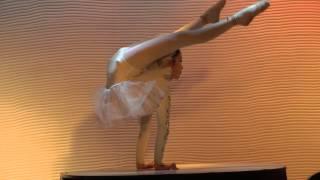 getlinkyoutube.com-北京餐廳女童軟骨舞蹈秀 台網CTTV中網TVTV華網