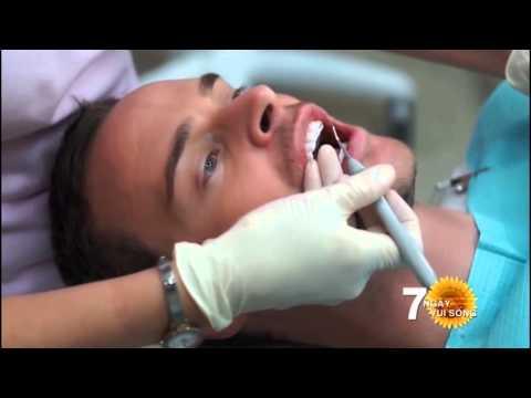 Tút răng ăn tết