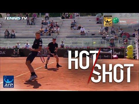 Hot Shot: Soares` Behind-The-Back Winner