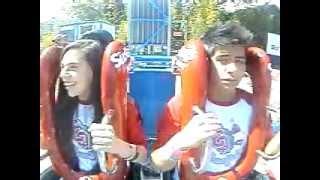 getlinkyoutube.com-Joss Zuckerman y Luis Ceballos (Roque y Adri de La CQ) inaugurando el #SlingShot.en Six Flags México