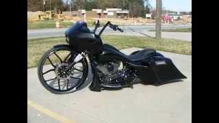 getlinkyoutube.com-Custom Cycles LTD Alan's black 30 inch Road Glide Harley Custom Big Wheel Bagger