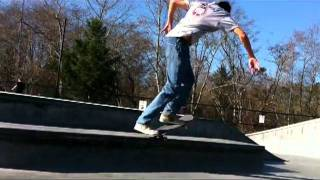 getlinkyoutube.com-Eureka Skate Shop's Trick of the Day with Jeff- Backside 180 to Switch Nose Grind