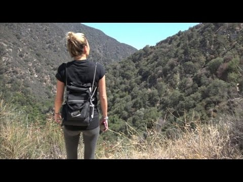 Female Blogger Gives Advice to Women Traveling Around the World Solo
