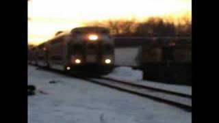 getlinkyoutube.com-Perfect Sunset as MBTA train takes a curve