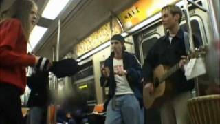 getlinkyoutube.com-Avril singing in a subway (rare!)