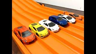 getlinkyoutube.com-RACE: LAMBORGHINI , Series 1, Race 2 - Hot Wheels