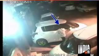 getlinkyoutube.com-CCTV images of Maruti Swift car theft in Delhi