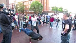 getlinkyoutube.com-Syndicate vs. KSIOlajidebt Dance-Off Highlights @ Eurogamer 2012!