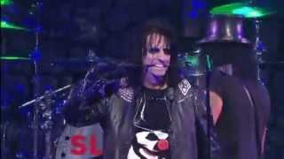 "getlinkyoutube.com-Slash feat. Alice Cooper - ""School's Out"" (Golden Gods Awards 2012)"