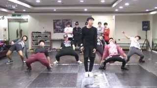 getlinkyoutube.com-BTS 'Rise of Bangtan' mirrored Dance Practice