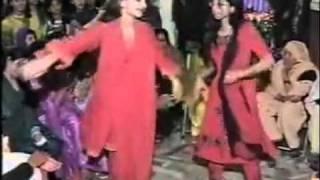 getlinkyoutube.com-SABA QAMAR IN WEDDING