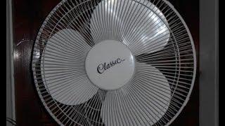 """Classic 16"""" pedestal fan"""