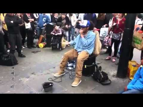 Dj / Beat box live in Street of London