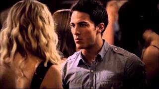 getlinkyoutube.com-My Favourite TV Kisses