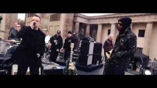 U2 - Backstage at the EMA's