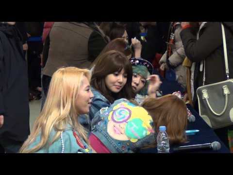 [Fancam] 130126 SNSD @ Fan sign