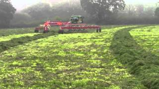 Enorossi Easyrake Superstar V Rake Autosteer demo September 28th 2013 in THUNDER RAIN CONDITIONS