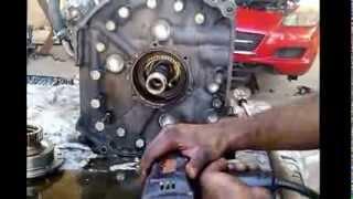 getlinkyoutube.com-Mazda RX8 motor rotativo reparacion parte 1