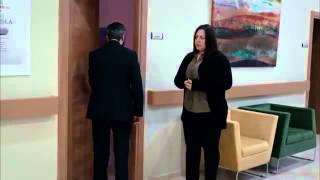 getlinkyoutube.com-مراد يزور ليلى في المستشفى - مقطع حزين