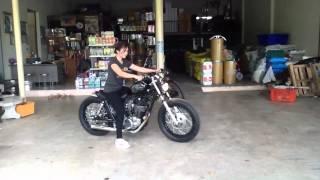 getlinkyoutube.com-Girl Started SR400 Bobber style (ช่างโรจน์) - 08