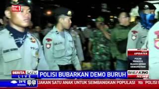 getlinkyoutube.com-Breaking News: Polisi Kawal Buruh Pulang