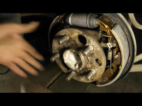 Расположение задних тормозных дисков в Тайота Vitz